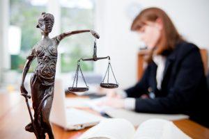 услуги юриста по кадрам